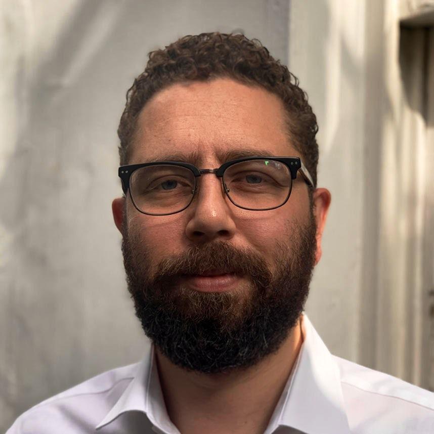 Daniel Cooper Author